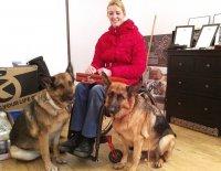 Nikdy se nevzdala, dnes ač je na vozíku cvičí svého asistenčního psa a jezdí na koni – to vše bez pomoci druhých.